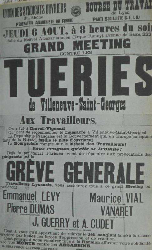 affiches-collees-a-paris-et-en-province.jpg